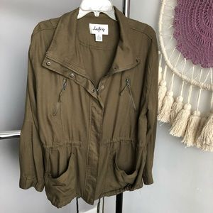 Daytrip Army Green Zip Up Jacket Size XL